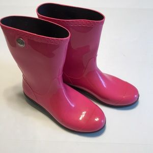 Hot pink rubber ugg boots, size 9